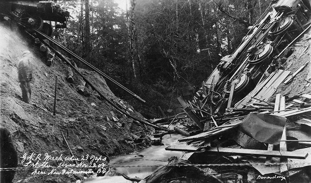 BurnabyTrainCrash1909BW.jpg