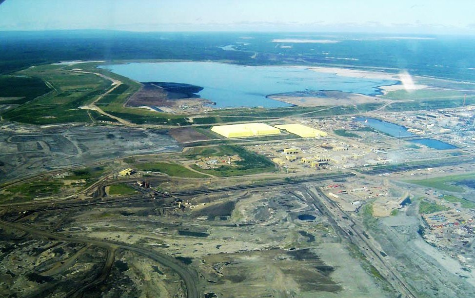 Syncrude_mildred_lake_plant.jpg