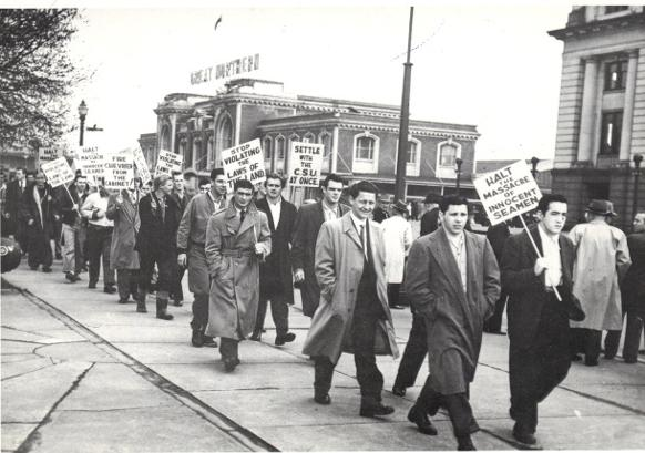 582px version of Picketing shipworkers in Vancouver, 1949