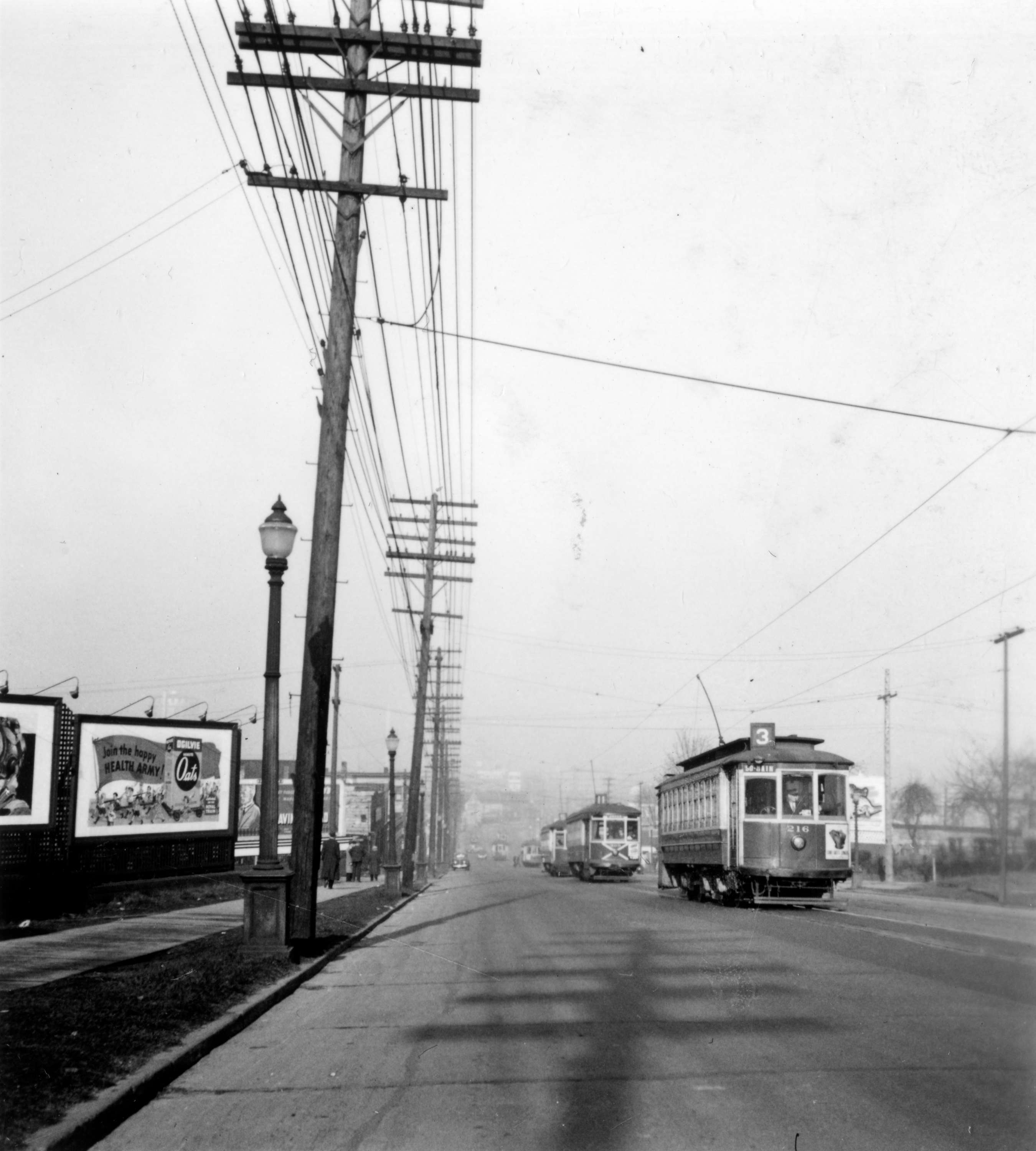 582px version of MountPleasant-1940-StreetCar.jpg
