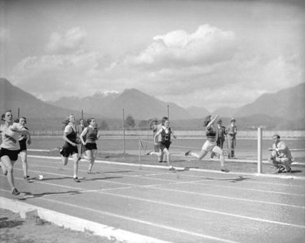 Girls running in 1935, Brockton Point