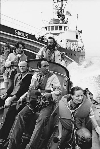 Zodiac crew from the Greenpeace vessel Sirius, 1982, 350 px