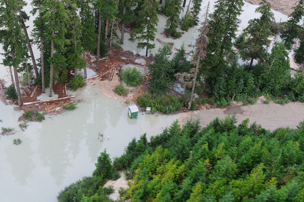 Hot springs covered by Meager Creek landslide