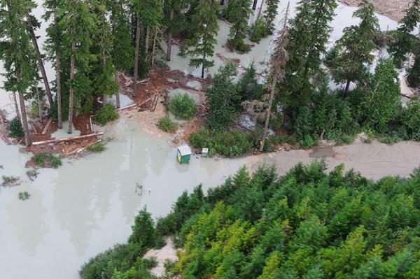 Hot springs covered by Meager Creek landslide