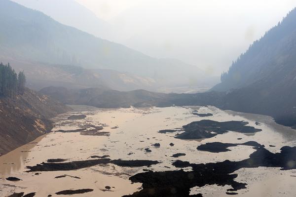 Natural dam after Meager Creek landslide