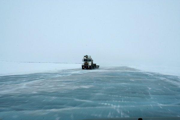 Mackenzie-Ice-Road.jpg