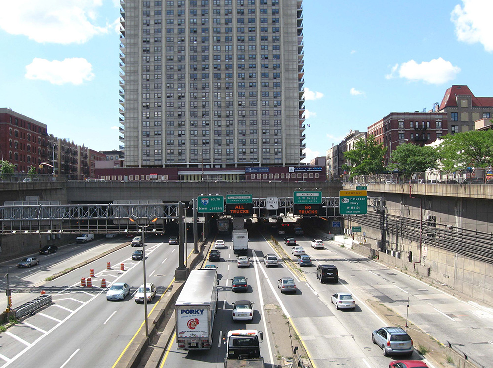 851px version of GeorgeWashingtonBridgeApartments.jpg