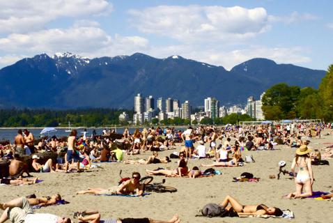 Booze on the Beach: As Vancouver Eyes Looser Rules, an Expert Warns of Risks