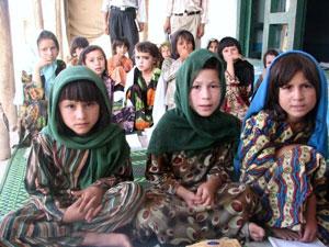 girls-class-in-afghanistan.jpg