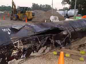 Ruptured Enbridge pipeline in Kalamazoo, Michigan
