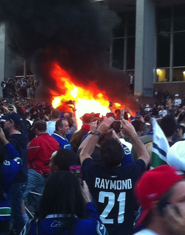 Stanley Cup Riot, car burning