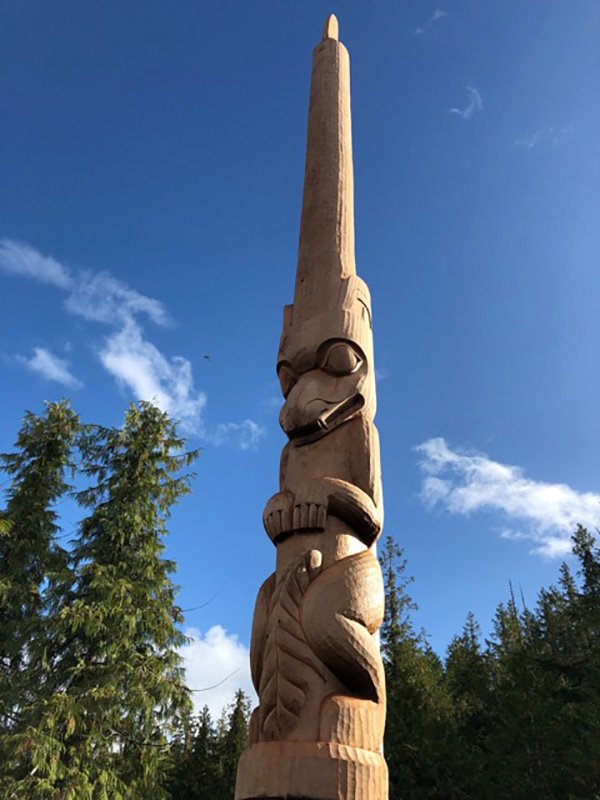 582px version of LeluIslandTotemPole.jpg
