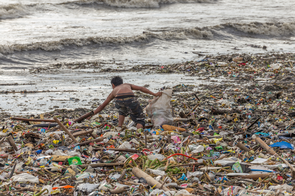 PHOTO2.Philippines-Garbage.jpg