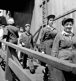 dockworkers.jpg